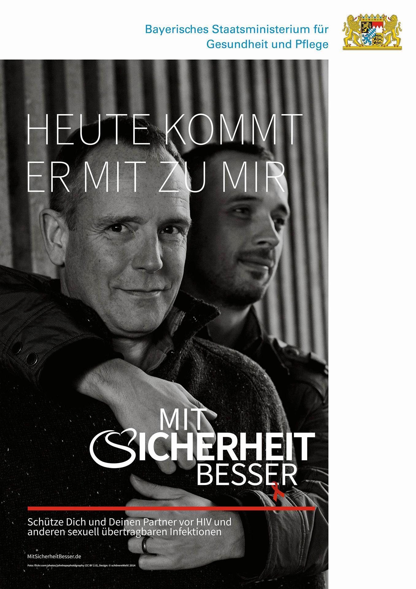 Mit-Sicherheit-Besser-A3-Poster-Gay-Couple-1356x1920px