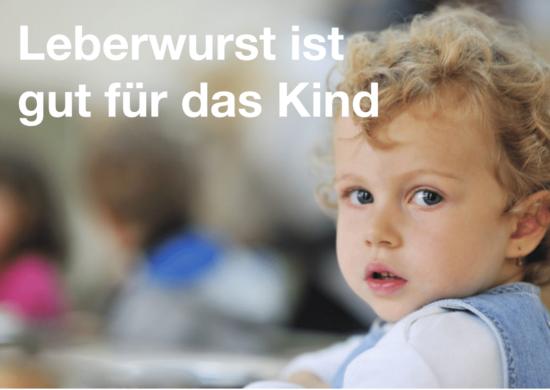Kleinkind mit blonden Locken