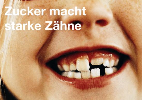 Kinderlächeln mit Zahnlücke